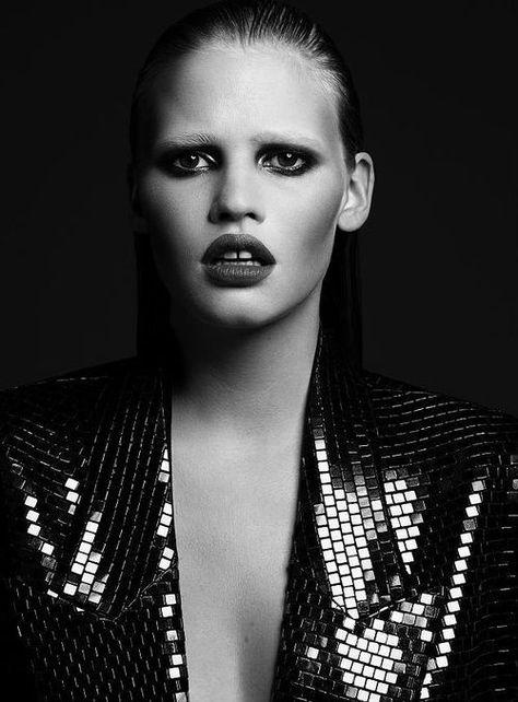Model Lara Stone lost modelling job after getting pregnant