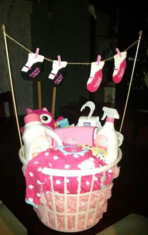DIY Baby Shower Gift Ideas for those on a budget - DIY baby gifts, baby shower gifts, cheap baby shower gifts, DIY baby shower gift for girls and for boys (gender neutral and unisex too). Unique and Easy Homemade and CHEAP DIY baby shower gift ideas. #babyshowerideas