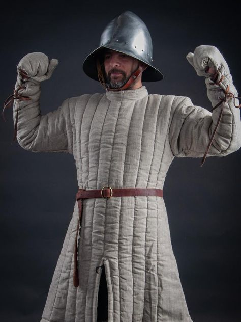 Gambeson with sewn mittens of the XIII century