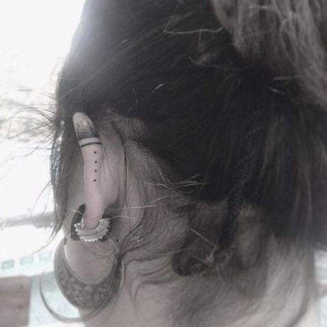 Minimal Vibe - Helix Ear Tattoos That Are So Much Better Than Piercings - Photos