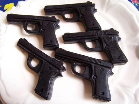 Hoi! Ik heb een geweldige listing op Etsy gevonden: https://www.etsy.com/nl/listing/66741851/pistool-zeep-black-cherry-set-soap-gun