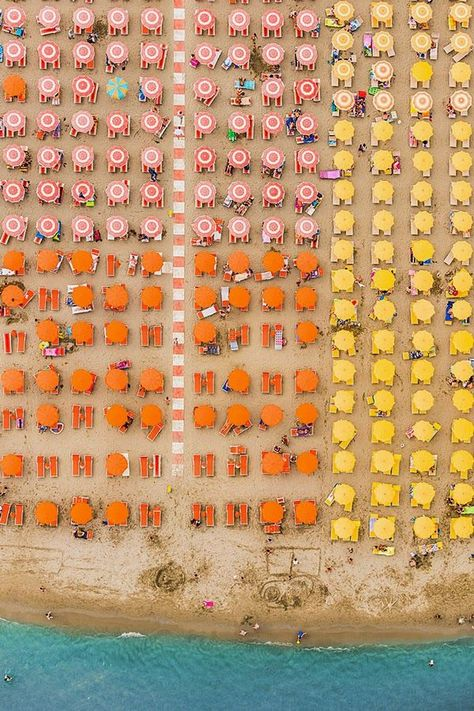 Amazing Aerial Views Transform Beaches Into Abstract Photos - My Modern Met