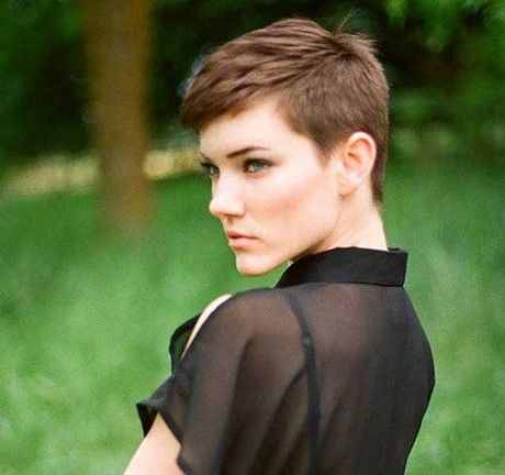 Sehr Kurzer Pixie Kurze Pixie Haarschnitte Igelschnitt Frauen