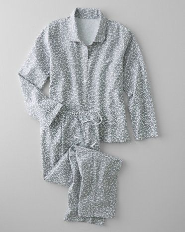 Garnet Hill Classic Flannel Pajamas feature our favorite heritage flannel, brushed inside and out, and great new prints, from leopard spots to rustic roses, to create classically cozy pajamas (lounging encouraged).