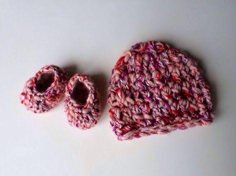 Baby Set Cappellino e Scarpine Neonato Rosa Uncinetto Shabby Chic country servizio fotografico neonato Idea regalo mamma donna incinta on Etsy, 20,00€