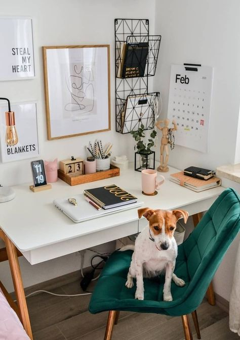 Home Office is a dedicated work area in a person's home. Here are 24 Home Office Ideas that not only look amazing but are also inspiring. Cores Home Office, Home Office Colors, Home Office Space, Home Office Design, Home Office Decor, Home Decor, Office Desk, Small Office Decor, Home Office Bedroom