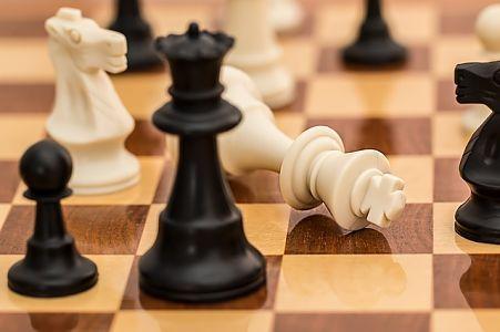 Ajedrez Perdiendo Chess Club Chess How To Play Chess