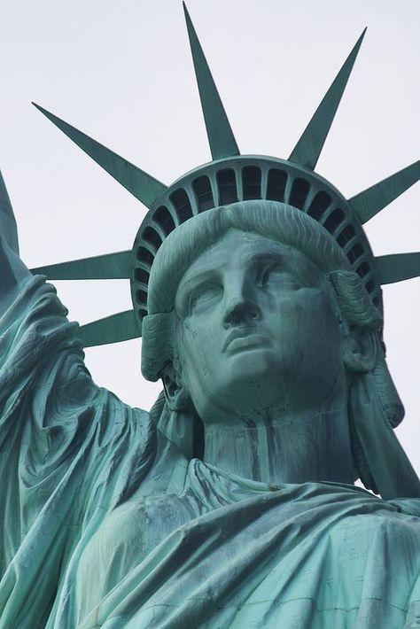 The Statue of Liberty, New York, 2009 iloveamerica #godblessamerica #nyny #libertystatue #ghdhair #americanpride #architectureart #beautifulbuildings #tattoostudio