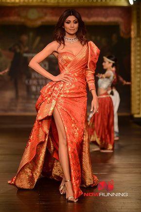 Shilpa Shetty walks for Monisha Jaisingh at the Couture Week
