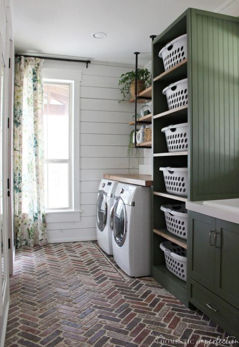 75 farmhouse laundry room decor ideas farmhouse decor ideen farmhouse laundry room decor ideas farmhouse decor ideen waschkucheOur DIY farmhouse laundry room - The Reveal!DIY Farmhouse Laundry Room - Click through for a source Mudroom Laundry Room, Laundry Room Layouts, Laundry Room Remodel, Laundry Room Organization, Laundry Room Design, Laundry In Bathroom, Laundry Storage, Laundry Decor, Laundry Baskets