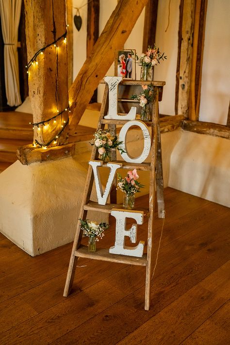 Stylish Rustic Wedding with Blush Florals & Laid Back Vibes Ladder Wedding, Barn Wedding Decorations, Wedding Ideas, Rustic Wedding Inspiration, Wedding Reception Centerpieces, Elegant Centerpieces, Vintage Centerpieces, Diy Rustic Decor, Rustic Weddings