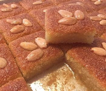 طريقة عمل البسبوسة الطرية مثل المحلات Arabic Dessert Food Recipies Arabic Food