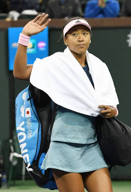 Naomi Osaka Of Japan Waves As She Leaves The Court After A Straight Sets Defeat To Belinda Bencic Yonex Tennis Bag Women Tennis Bags Tennis Outfit Ten Tenis