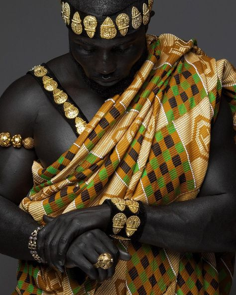 Kente Fabric Designs: See These Kente Styles For Fashionable Ladies - Lab Africa African Men Fashion, African Beauty, Ankara Fashion, African Women, African Culture, African History, African Life, African Style, Poses