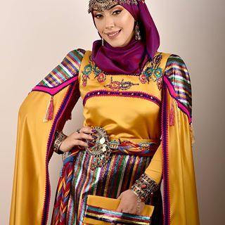 Manel Hadli Manelhadliofficial Photos Et Videos Instagram Fashion Algerian Clothing Clothes