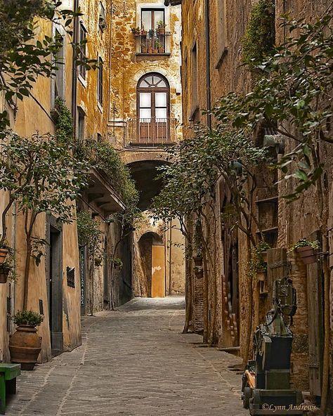 Orvieto's Winding Streets, Italy #italy #wanderlust #inspiration #travel