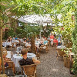 Cafe Solo Und Tienda Weisenheim Am Berg Sommerimpressionen Wundervolle Orte Cafe Ausflug