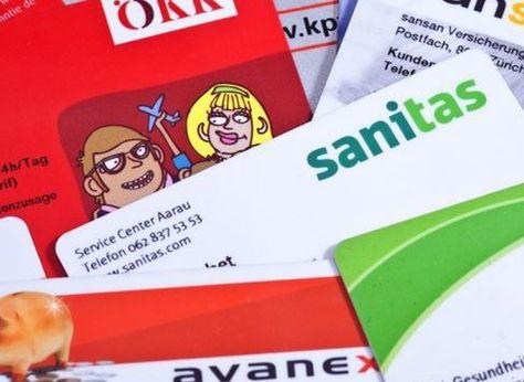 Gemäss einer Zufriedenheitsumfrage würde fast jeder dritte Schweizer Bürger auf die Krankenkassen Versicherungspflicht verzichten. Da die Meisten mit ihrer Versicherung zufrieden sind, ist dies auf das sehr hohe Prämienniveau zurückzuführen. Darum möchten viele ihre Krankenkasse wechseln.  Erfahre hier im Bericht mehr: http://www.krankenkasse-wechsel.ch/fast-jeder-dritte-wurde-auf-die-versicherungspflicht-verzichten/