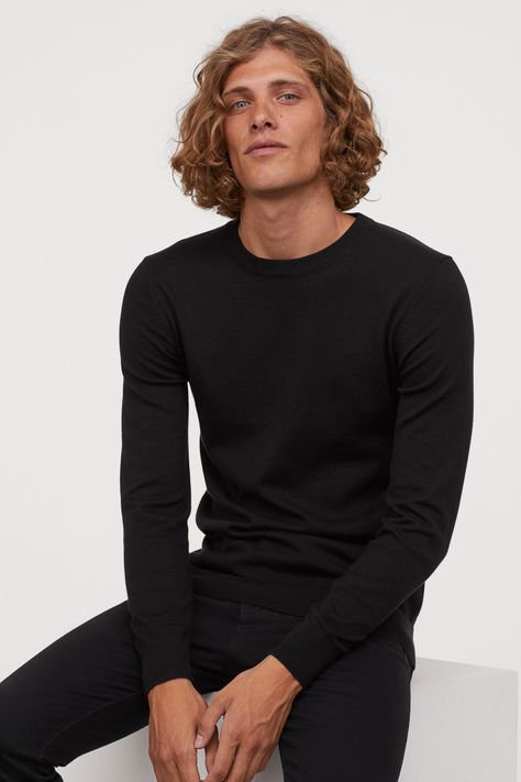 Fine-knit sweater in soft cotton fabric with a round neck, long sleeves, and ribbing at cuffs and hem. Pretty Men, Beautiful Men, Shaggy Short Hair, Yennefer Of Vengerberg, High Fashion Photography, Curly Hair Men, Curled Hairstyles, Haircuts For Men, Black Sweaters