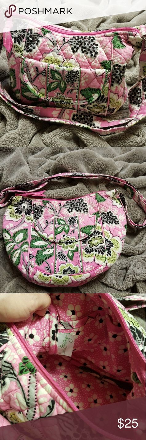 🌱Lovely Vera Bradley Purse EUC!🌱 🌱Selling one of many Purses I own, this purse is Great has multiple pockets Plus my Fav pocket is for ur phone on the front of purse. It won't fall out & Easy to grab instead of you digging around the bottom of your purse giggles😅😂We have all been there!😊  🌱Selling and Ready to Ship anything over 20$'s I send a little gift.😄   🌱Last shipment I sent a Lovely💐Floral Coaster set worth 17$'s itself! I'm extremely giving and just💟Love to make people Happy😄 Vera Bradley Bags
