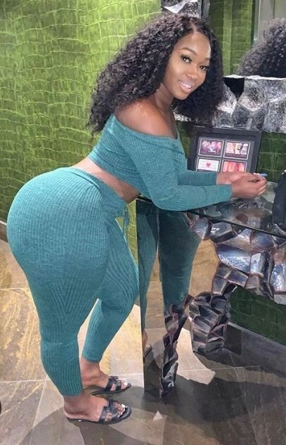Sexy Milf Cougar Big Ass