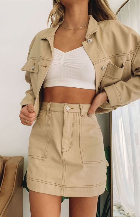 Beige Outfit, Brown Outfit, Denim Skirt Outfits, Cute Outfits, Brown Skirt Outfits, Greta, Beige Style, Brown Skirts, Beige Aesthetic