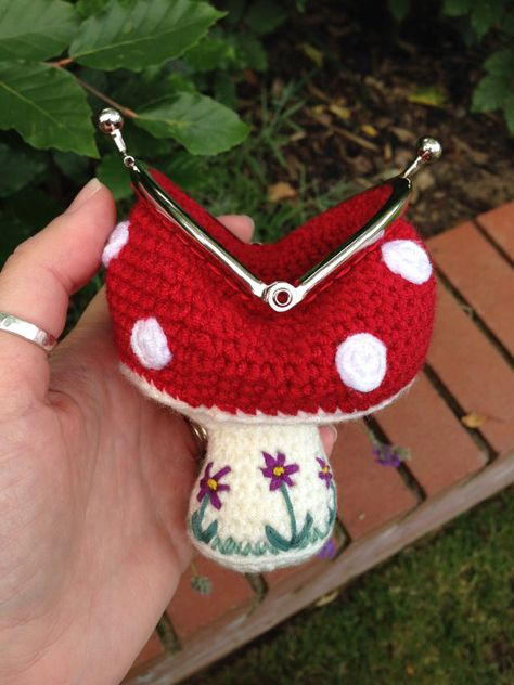 Toadstool Coin Purse Crochet Pattern by LauLovesCrochet on Etsy - Sale! Shot at Stylizio for womens and mens designer handbags luxury sunglasses watches jewelry purses wallets clothes underwear Coin Purse Pattern, Crochet Coin Purse, Purse Patterns, Crochet Purses, Crochet Patterns, Crochet Change Purse, Crochet Crafts, Crochet Yarn, Yarn Crafts