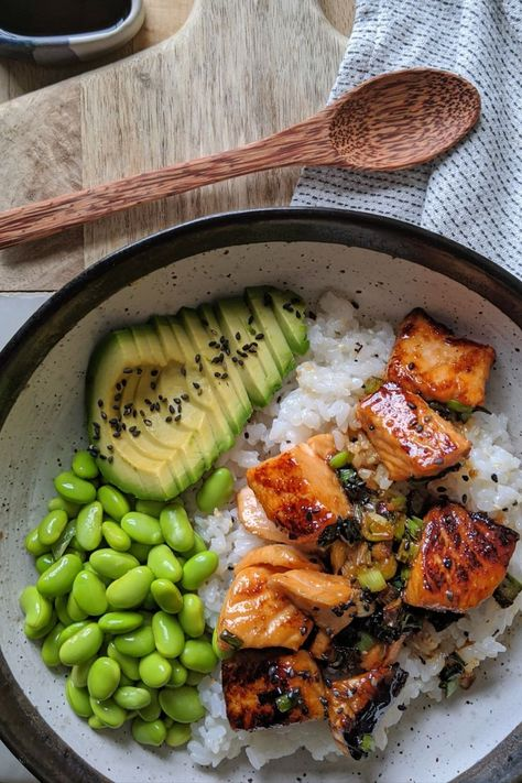 healthy dinner recipes for family eating clean Teriyaki Salmon Sushi Bowl - Gesunde Rezepte - Plats Healthy, Teriyaki Salmon, Marinated Salmon, Teriyaki Bowl, Terriyaki Salmon Recipe, Health Dinner, Think Food, Healthy Meal Prep, Dinner Healthy