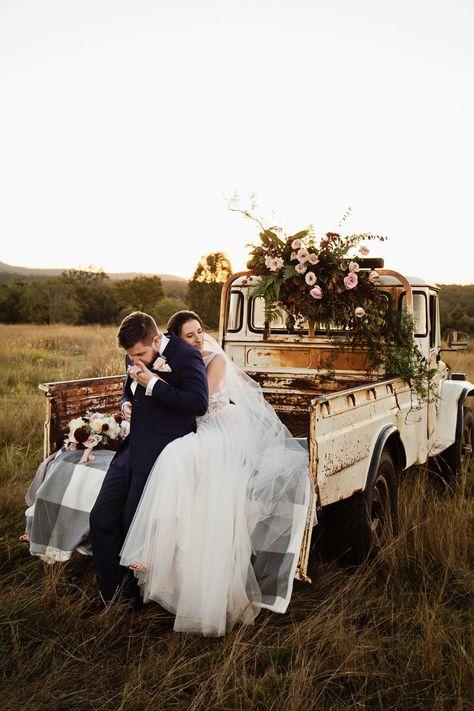 Alex & Simon's Romantic & Classic Country Wedding