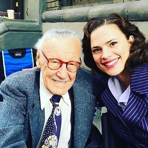 33 Memorable Images of Marvel Actors With Stan Lee