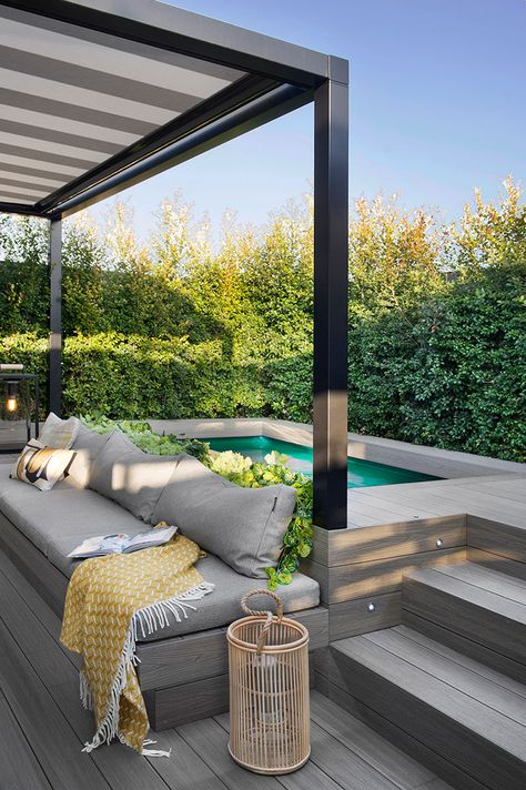 Studio Egue y seta, who worked on this modern apartment in Barcelona, ​​called the project 'private sunset'. Small Backyard Pools, Backyard Patio Designs, Small Pools, Swimming Pools Backyard, Backyard Landscaping, Lap Pools, Indoor Pools, Pool Decks, Outdoor Spaces