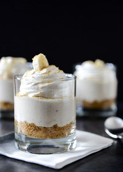 banana cream cheesecakes
