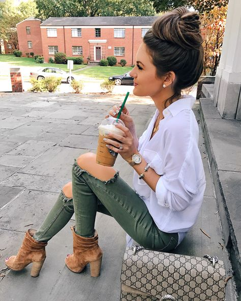 Womens Fashion Fashion Outfit Fall outfit ideas Casual outfit Caitlin Covington Southern Curls and Pearls Fall Fashion Outfits, Casual Fall Outfits, Fall Winter Outfits, Look Fashion, Summer Outfits, Cute Outfits, Ladies Fashion, Winter Clothes, Fashion Ideas
