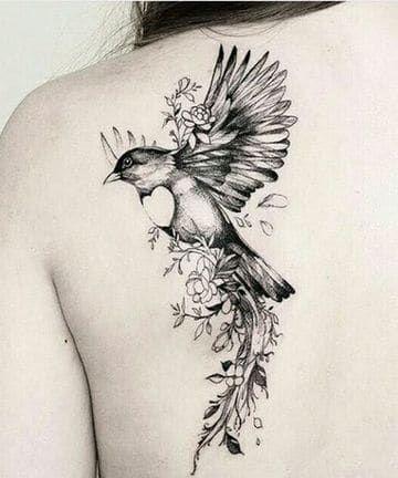 Hermosos Disenos De Tatuajes De Aves En La Espalda Tatuajes De Aves Tatuajes De Pajaro En El Hombro Tatuajes Para Hombres