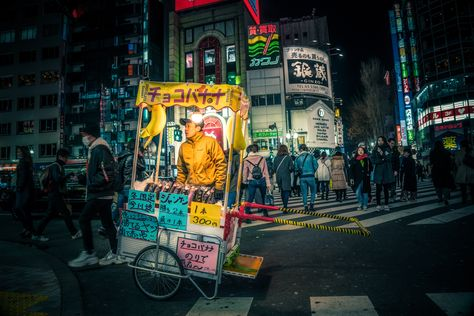 Here's a new photo of a random scene from Shinjuku. One of the most dynamic neighborhoods in Tokyo. #TreyRatcliff #Shinjuku #Japan #Tokyo #StreetPhotography