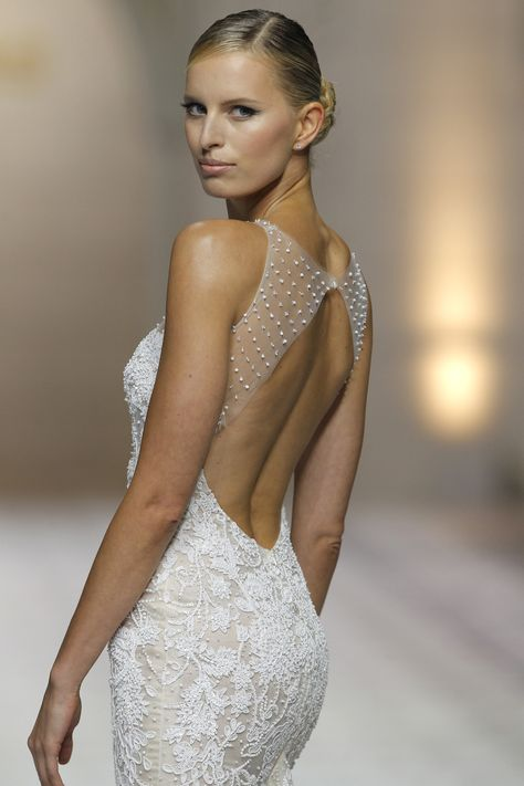 clarisa atelier pronovias 2015 | happily ever after