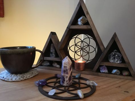 ☾☾☾☾☾☾ Seed Of Life Crystal Grid ☽☽☽☽☽☽    The Seed of Life is a universal symbol of creation.The name of this pattern instantly offers insight into its deeper meaning and purpose. Found at the heart of an ancient pattern called the Flower of Life,there is an entire cosmology of consciousness encoded into this singular geometric seed. I hardly know where to begin to express the importance of this pattern for life itself.  Each circle fits into this pattern like a lock and key, forming a dy...