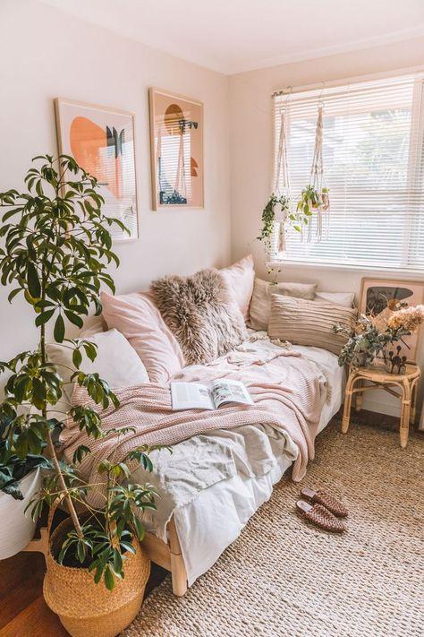Room Ideas Bedroom, Small Bed Room Ideas, Lighting Ideas Bedroom, Bedroom Inspo, Adult Bedroom Ideas, Bedroom Ideas For Small Rooms For Adults, Bedroom Office Combo, Small Bedroom Inspiration, Bedroom Hacks