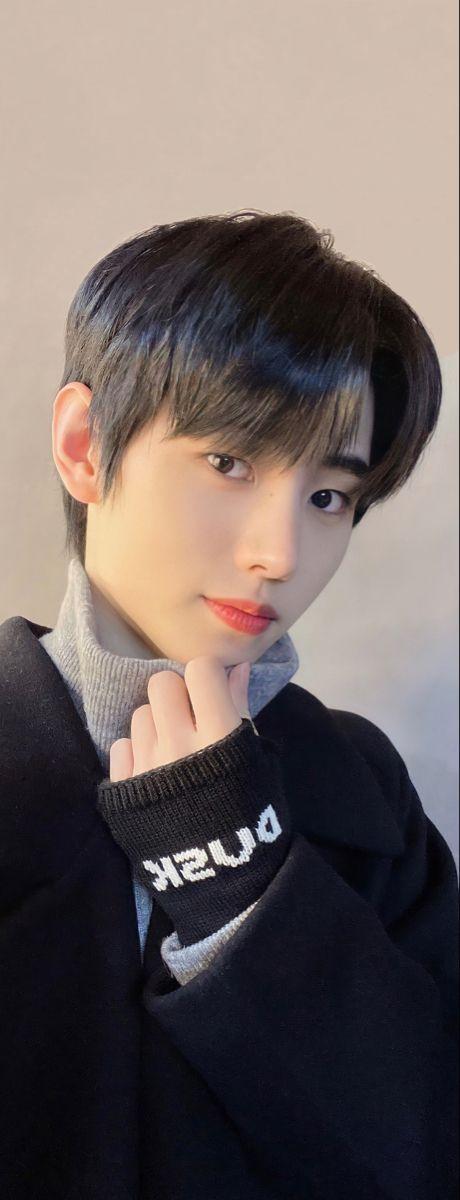 Enhypen Sunghoon Wallpaper In 2021 Asian Short Hair Beautiful Boys Kpop Guys Cartoon wallpaper sung hoon enhypen