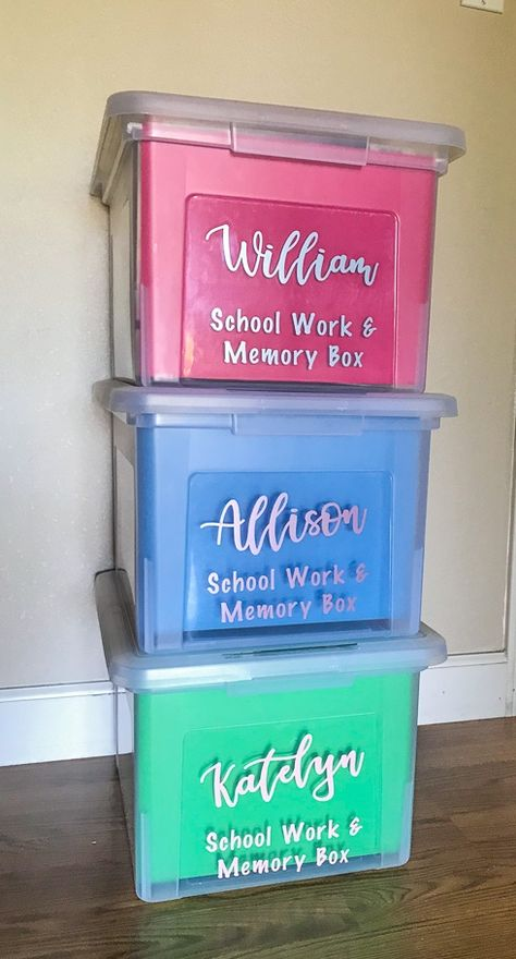 DIY School Memory Boxes Are you not sure what to do with all of that school and artwork your kids bring home? Learn how to make your own school memory boxes. It's easier than you think to organize your kid's school and artwork! Kids School Organization, Organization Hacks, Organizing School Papers, Organizing Kids Artwork, File Folder Organization, School Memories, Memories Box, Future Mom, Kids And Parenting