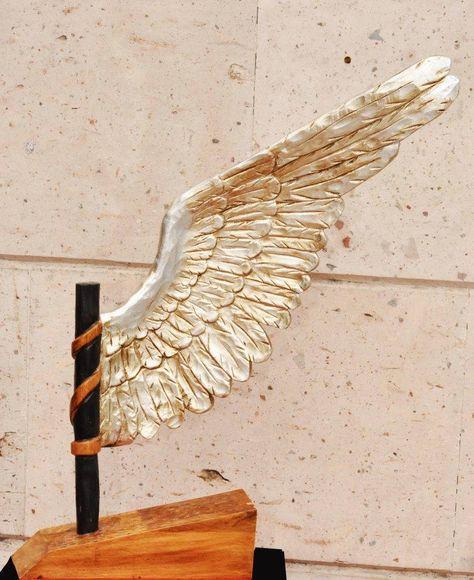 Ala Tallada En Banak Ba Ada En Plata Esculturas Arte Y Diseno