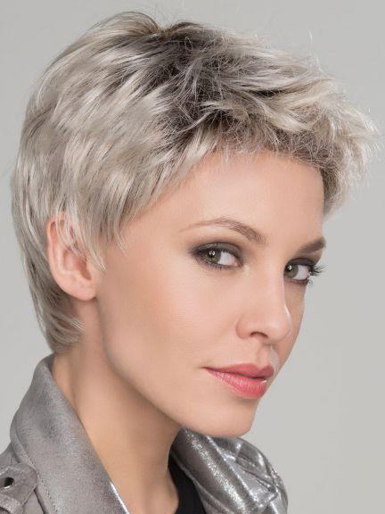 Pin Von Holly Guerin Auf Coiffures Courtes Frisuren Kurze Haare Schmales Gesicht Frisuren Kurze Graue Haare Haarschnitt Kurze Haare