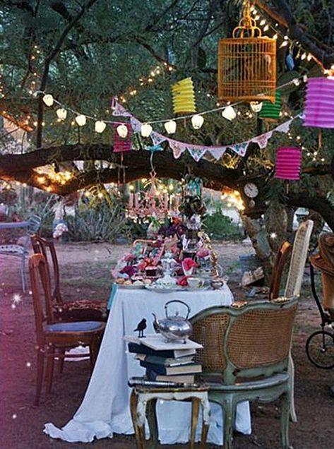 Mad Tea Parties, Outdoor Tea Parties, Vintage Tea Parties, Alice Tea Party, Vintage Party, Mad Hatter Costumes, Mad Hatter Party, Mad Hatter Tea, Diy Mad Hatter Hat