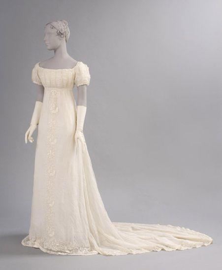 Muslin dress, c. 1800 - perfect for a Jane Austen 19th Century Regency Georgian wedding.