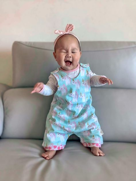 TGIF! Who feels the same way as our little cutie here? 🦄 #cottonpigs #fridayfeels #reversibleromper #unicorns #TGIF