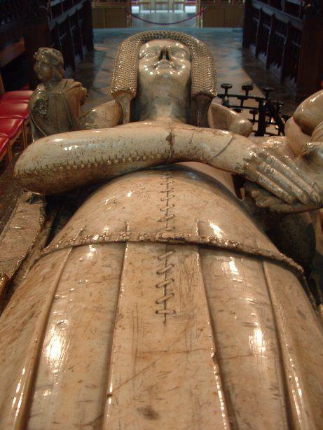 Katherine, Countess of Warwick   early 14th century