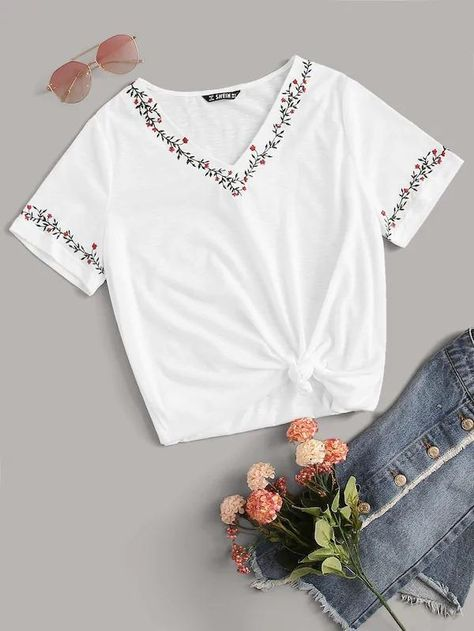 Women Embroidery Neck And Cuff Top - M