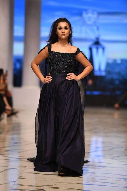 Fascinating Fashion Pakistan Famous Fashion Designer Hsy Fashion Pakis Fashion Designers Famous Famous Fashion Fashion