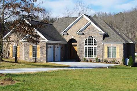 Traditional Style House Plan 3 Beds 2 Baths 1779 Sq Ft Plan 927 34 House Plans American Houses Ranch Style Floor Plans