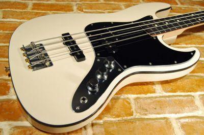 Starplayer Duesenberg Bass From Duesenbergde En Basses This Is A Hot